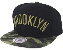 Brooklyn Nets Combat Camo Snapback - Mitchell & Ness