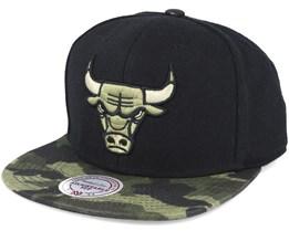 Chicago Bulls Combat Camo Snapback - Mitchell & Ness