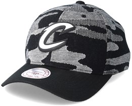 Cleveland Cavaliers Knit 110 Camo Adjustable - Mitchell & Ness
