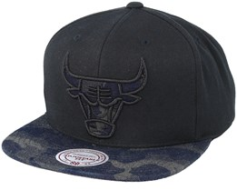 Chicago Bulls Denim Black/Camo Snapback - Mitchell & Ness