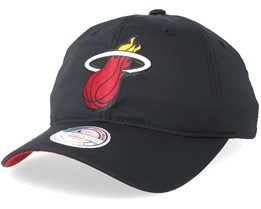 Miami Heat Light & Dry Black Adjustable - Mitchell & Ness
