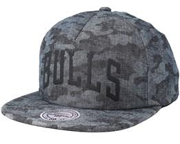 Chicago Bulls Crowler Black Camo Snapback - Mitchell & Ness