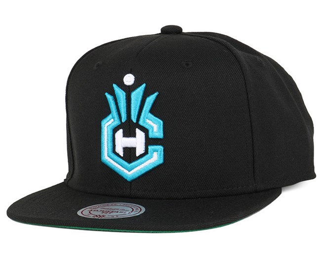 Charlotte Hornets Wool Solid Black Snapback - Mitchell & Ness