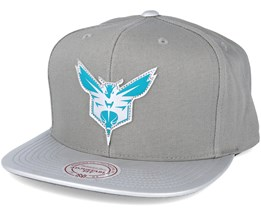 Charlotte Hornets Serve Grey Snapback - Mitchell & Ness